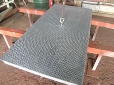 乗入れ鉄板の取り替え:工事中写真