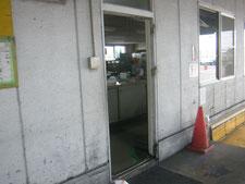 アルミ製扉:工事中写真