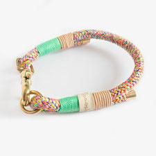 buntes Halsband modern aus Kletterseil