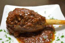 骨付きスネ肉のトマト煮