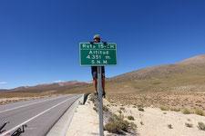 Route pass colchane-pisiga panneau 4351m