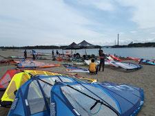 ウインドサーフィン SUP 神奈川 横浜 海の公園 スピードウォール speedwall スクール 体験 初心者