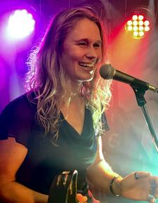Sängerin Christina Schlupf Portrait