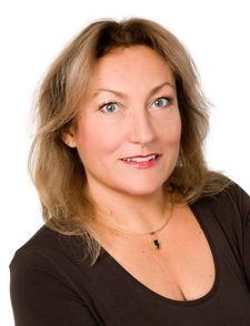 Zahnärztin Mirjana Eberl, Eichenau: Zahnerhaltung mit zahnfarbenen Füllungen aus Komposit und Keramik