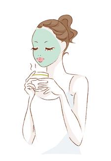 マッサージ(ヒフを押さえたりこすったりする)は真皮にシワの原因として作用し、繰り返しの刺激が シワをより深めます。クロロフイル美顔教室では、保湿・血行促進・清浄の作用があるパスターパックをおすすめしています