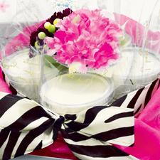 花商ギフト じーまーみ豆腐deケーキ 事例 出産祝い(造花)