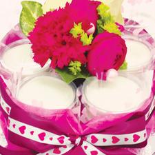 花商 じーまーみ豆腐deケーキ 事例 結婚祝い(生花)