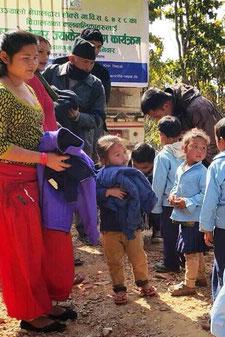 Kinder, Winter, Jacken, Hilfe, Spenden, Schule, Kälte, Freude