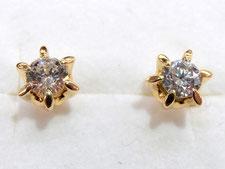金のピアスをダイヤ専門の鑑定士が買取いたしました。(上尾市の質屋)