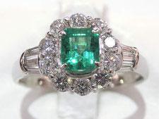 エメラルドダイヤリング(指輪)の買取は質屋かんてい局上尾駅前店(金、プラチナは高値でご融資します)
