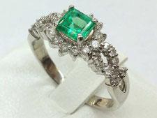 エメラルドリングなど宝石、指輪の買取は埼玉県上尾市の質屋かんてい局上尾駅前店