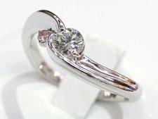 埼玉県上尾市の質屋かんてい局は金の指輪を高額で査定買取いたします。(ダイヤプラチナネックレスのサイズ調整もおまかせください)