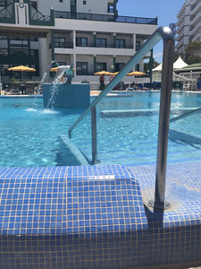 Hotel Green Field - Udsigt til poolen