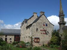 La mairie de Plouyé