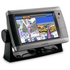 Garmin GPSmap 740s sur son support