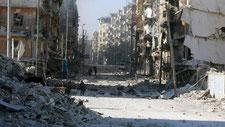 des images prises par un drone montrent les ruines d'Alep-est