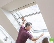 Neher-Insektenschutz-Rollo für Dachfenster, Fliegenrollo für Dachfenster bei Lamellen Junker in Langenselbold
