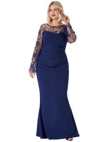 langes Abendkleid dunkelblau für mollige Frauen