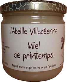Miel de printemps en pot en verre de 500 grammes de l'Abeille villadéenne, apicultrice récoltante en Charente maritime