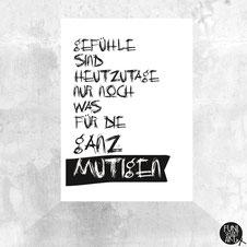 Postkarte Liebe ist Mut