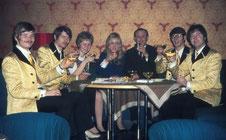 Blue Tramps im Imperial / Worms mit Hilla und Rita von den Rag Doll's 1969