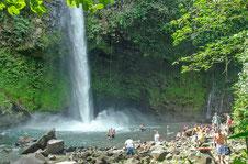 Excursiones un día: Parque Nacional Volcán Arenal & Catarata Río La Fortuna