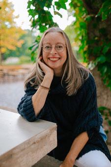 Portrait esther maria vogel mit Brille