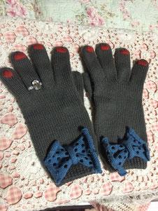 そしてポップな手袋を買う。^o^