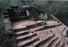 """OmoGirando la """"Piramide Etrusca"""""""