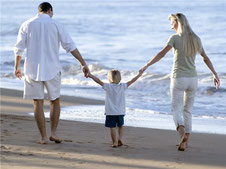 familia en playa - abogados en seguros - despacho de abogados