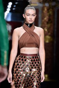 Modelo Gigi Hadid en la semana de la moda de Paris. Redes sociales y feminismo. Polémica pr su peso