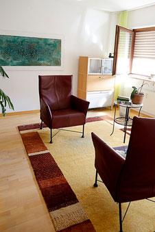 Therapieraum der Psychotherapeutischen Praxis Christine Thoni, Mannheim (Foto: Mechthild Stein)