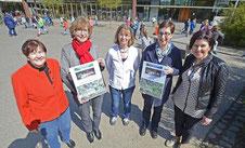 Marlene Frings (Stadtmusikbund), Gerda Mercks (Kreismusikschule) Elke Egyptien und Ulrike Neuenhofer (Luise Hensel-Schule) sowie Karin Heinze (Stadtmusikbund) freuen sich über das Spendenergebnis (v.l.). FOTO: Jörg Knappe
