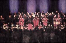 Südamerikanische Festfreude mit europäischer Klassik verbanden in der Erkelenzer Stadthalle Sänger und lnstrumentalisten unter Leitung von Dr. Artur Wrobel. RP-FOTO: JÜRGEN LAASER