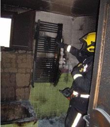 Incendio provocado por secar ropa en toallero eléctrico. Foto de AprendEmergencias