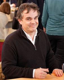 ecrivain romancier philosophe contact conference
