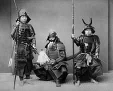 Kusakabe Kimbei - Samurai in Rüstung - ca. 1990
