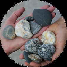 Bunte Steine vom Strand von Marazion/Cornwall