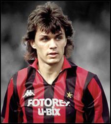 Maldini débute sa carrière à l'âge de 16 ans