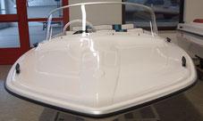 Hille CAMEO 400:  Ansicht Bug- / Deckbereich