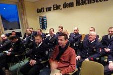 2015 Reges Interesse während der Ausschusssitzung im alten Gemeindehaus, dem früheren Sitz der Recker Freiwilligen Feuerwehr. Klares Votum für einen Neubau auch von der FDP-Recke.