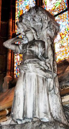 Sainte Jeanne d'Arc- statue marbre