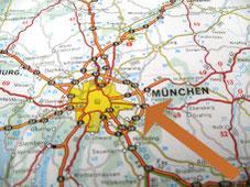 Karte zeigt optimale Lage von Elodie Serviced Apartments im Osten von München mit Anschluss an Autobahn, Flughafen und MVV