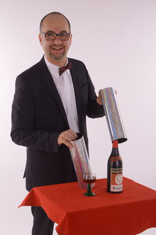 Close Up und Tablehopping - Magier, Zauberer, Zauberkünstler, Kinderzauberer, Ballonkünstler, Ballonentertainer, Ballonmodellierer Volker Rudolph