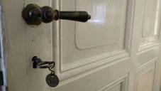Tür zum Zimmer 10 im Elvis-Hotel Grunewald, Bad Nauheim
