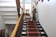 """Treppe zum """"Zimmer 10"""" Elvis-Hotel Grunewald, Bad Nauheim"""