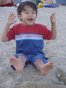 Gabriel en la playa 2009