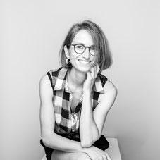 Nelly Chemin contemporary jewelry designer