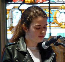 Lecture du récit de l'arrestation et de la mise à mort de Jésus, par Jeanne, avec Gaelle et régis (à St Mathieu)