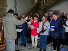 La chorale paroissiale, à la célébration eucharistique du matin,...